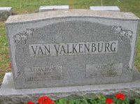 VAN VALKENBURG, Clyde and Evana (Hunt) Grave